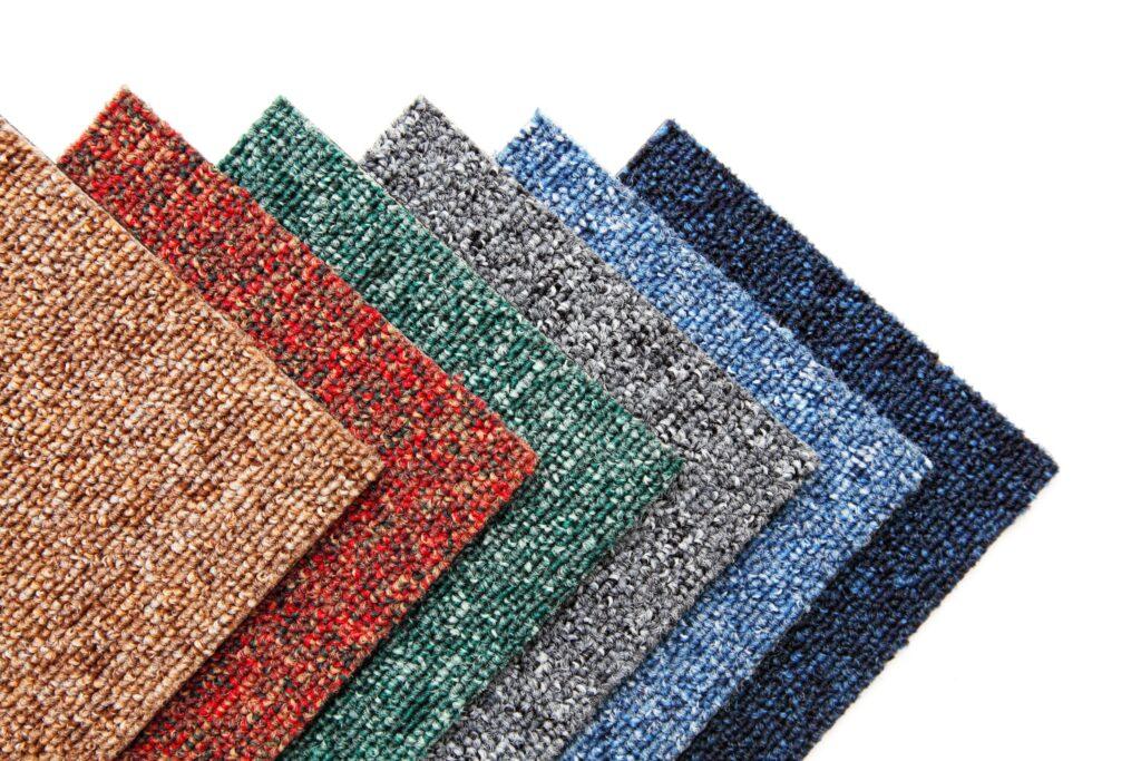 オフィスの床に貼るタイルカーペットを選ぶときのポイント!